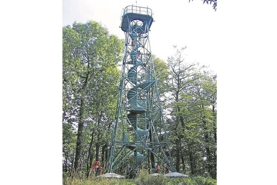 Der Aussichtsturm auf dem Studenec.
