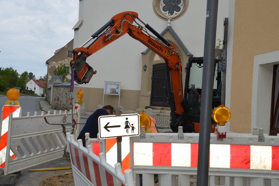 Unter anderem wird aktuell gegenüber der katholischen Filialkirche St. Anna an der Görlitzer Straße gebaut.
