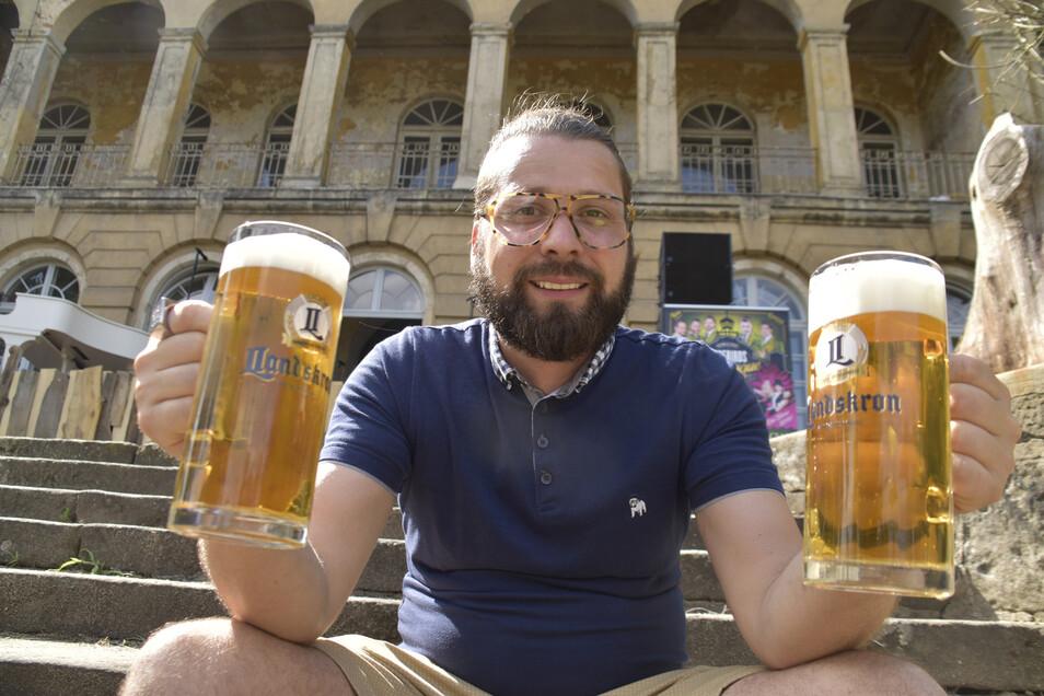 Manuel Klötzer betreibt den Sommergarten im Schloss Übigau. Er haucht dem barocken Bau wieder Leben ein und hat noch mehr vor.