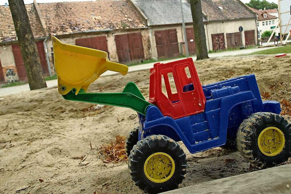 Die Stadtscheunen am Spielplatz am Gehalm Bad Muskau sollen saniert werden.