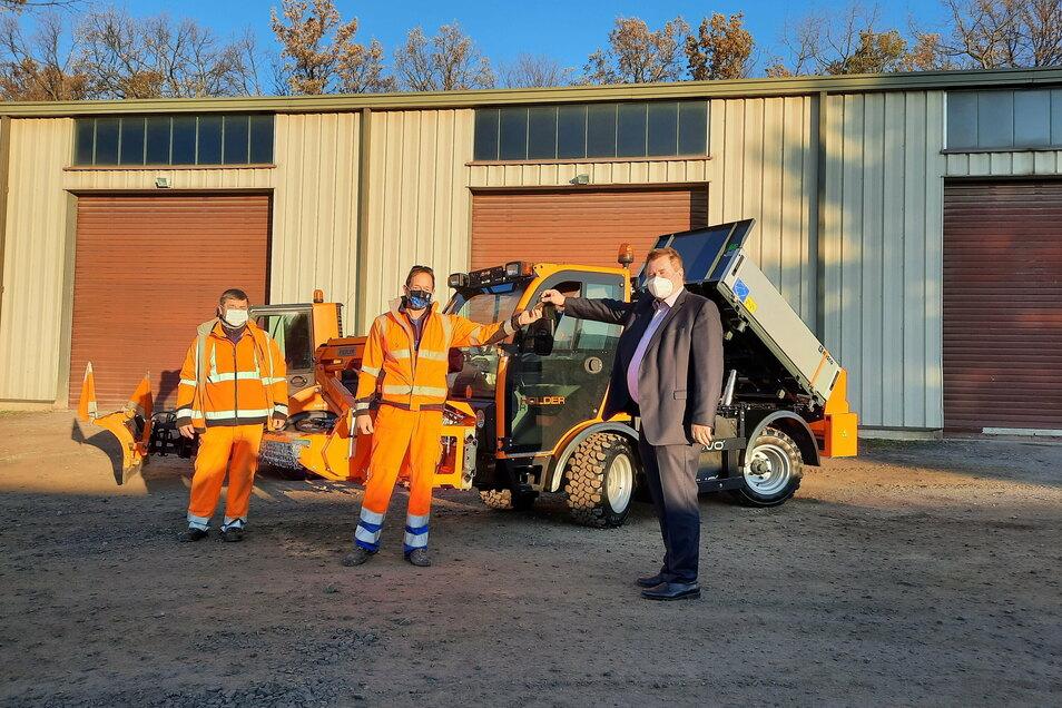 Die Gemeinde Bannewitz hat am 8. Dezember das neue Bauhofauto bekommen.