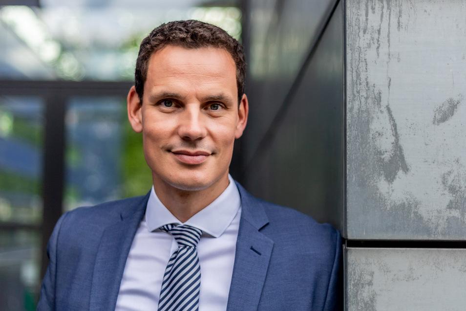Prof. Dr. Erik Hahn ist Professor an der Hochschule Zittau/Görlitz und Dozent an der Dresden International University für den weiterbildenden Studiengang Medizinrecht