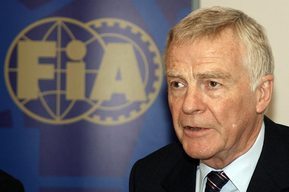 Max Mosley ist tot. Der ehemalige Rennfahrer und FIA-Präsident starb mit 81 Jahren. Das bestätigte Bernie Ecclestone.