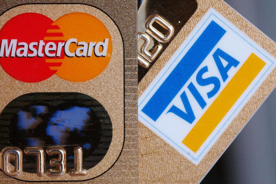 Ein Angeklagter hat eine Kreditkarte bestellt - als es jedoch ans Bezahlen ging, zeigte er die Firma an. In seinem Prozess behauptete er nun, er habe die Karte nie erhalten.