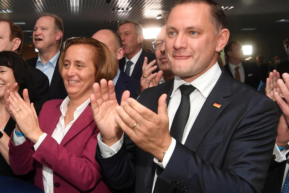 16 Direktmandate hat die AfD im Osten geholt. AfD-Chef Tino Chrupalla konnte sich mit 35,8 Prozent in Görlitz durchsetzen.