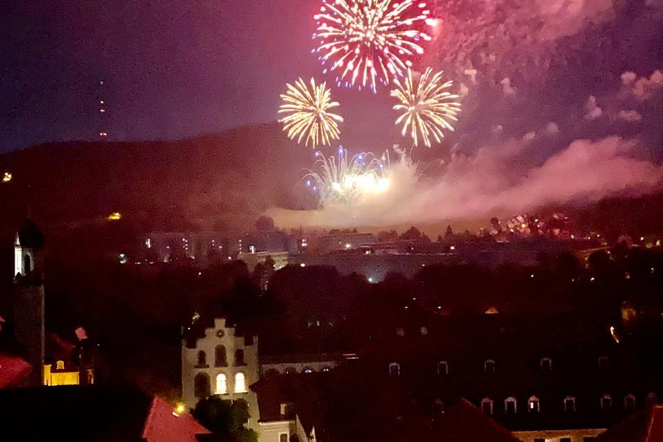 Das Feuerwerk bildete den funkenden Abschluss des Löbauer Stadtgeburtstags.