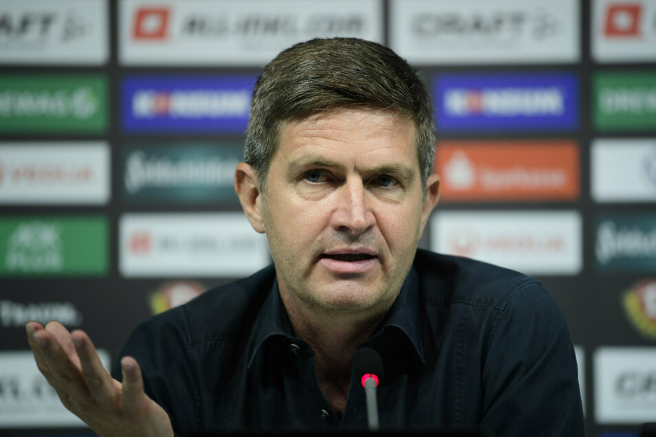 Ralf Becker wurde am Mittwoch auf einer Pressekonferenz als neuer Sportgeschäftsführer von Dynamo Dresden vorgestellt. Er tritt die Nachfolge von Ralf Minge an.