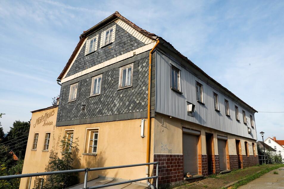 Ein weiteres Objekt aus dem Spettmann-Portfolio: Die Rumburger Straße 35 in Seifhennersdorf. Es soll 33.333 Euro kosten.