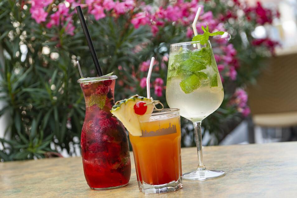 """Gleich nun, ob ein Cocktail wie Hugo und Sportsman oder eine phantasievoll zubereitete Limonade aus Himbeeren und Minze: Im Großenhainer """"Mamma Mia"""" sind die Getränke der Renner."""