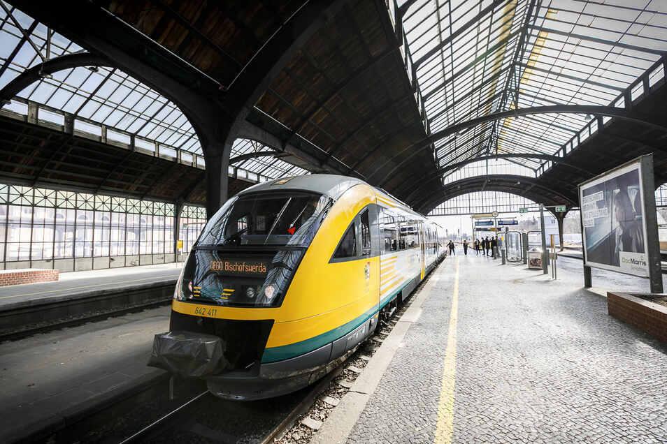 Ein Odeg-Zug im Bahnhof Görlitz.