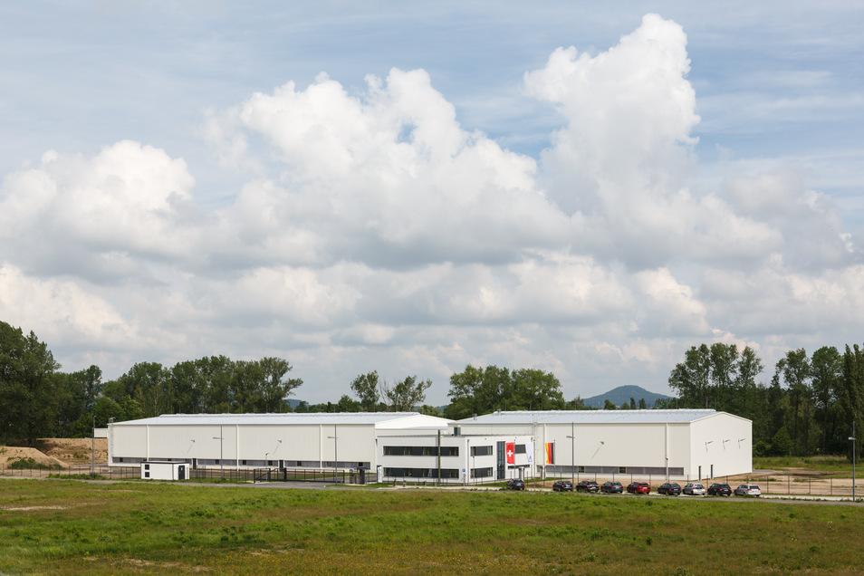 Die Skan AG im Gewerbegebiet Hagenwerder: Dienstag startet hier der Bau einer Erweiterung der Firma. Ob der potenzielle Nachbar Greenlace ebenfalls bald bauen wird, ist offen.