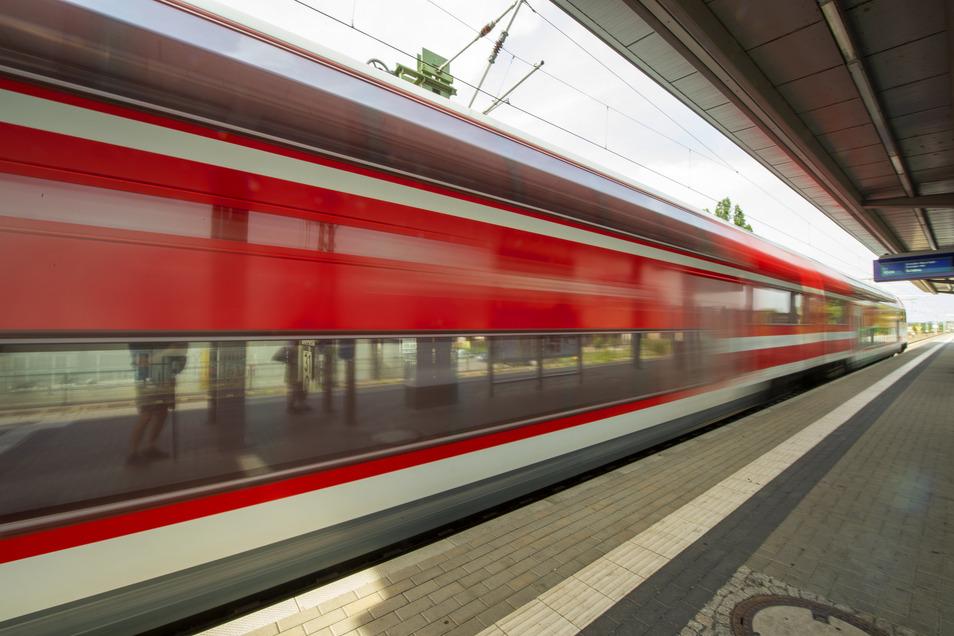 Zum Jahreswechsel fahren zusätzliche S-Bahnen nach Meißen, Pirna und Tharandt.