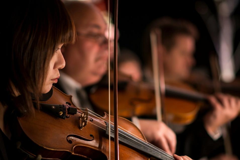Das Gesangs- und Streichquartett des Sorbischen National-Ensembles umrahmt am Sonntag einen Gottesdienst in der Bautzener Liebfrauenkirche, der vom Radiosender MDR Kultur übertragen wird.