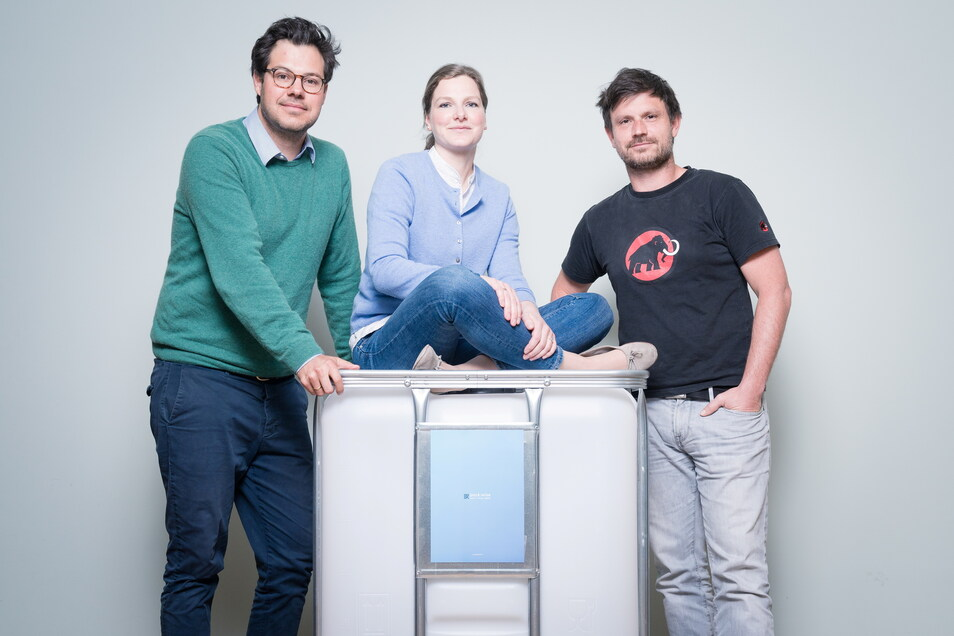 Die Packwise-Chefs Gesche und Felix Weger sowie Entwickler René Bernhardt wollen die Nutzung der Container optimieren.