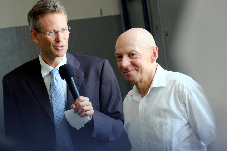 Geht nach 43 Arbeitsjahren mit fast 66 Jahren in den Ruhestand. VGM-Chef Rolf Baum und DVB-Vorstand Andreas Hemmersbach.