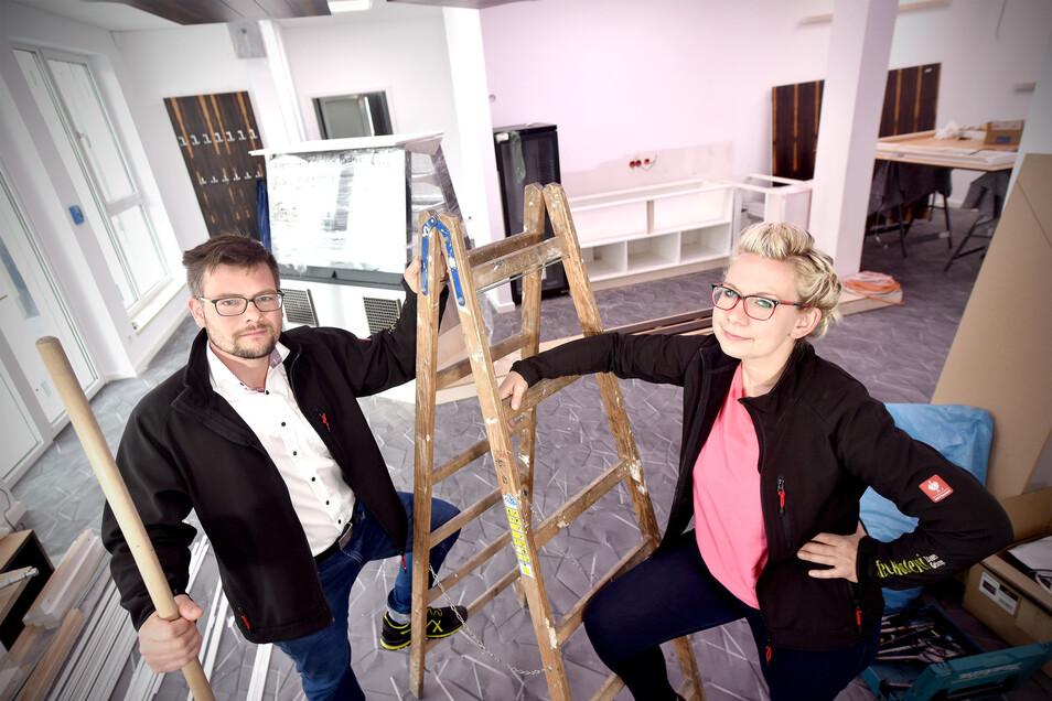 Robin Wollmann und Melanie Böse eröffnen im Juli in Bechsteins Kultur- und Gästehaus in Seifhennersdorf Carl`s Musik-Kaffee.