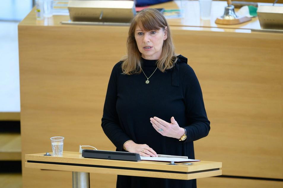 Sachsens Sozialministerin Petra Köpping (SPD) mahnte in ihrer Rede weiterhin zur Vorsicht.