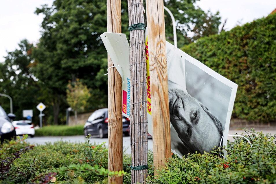 Die Zerstörung und Beschädigung von Wahlplakaten bildet auch in diesem Jahr wieder das Gros der Straftaten während des Wahlkampfs zur Bundestagswahl.