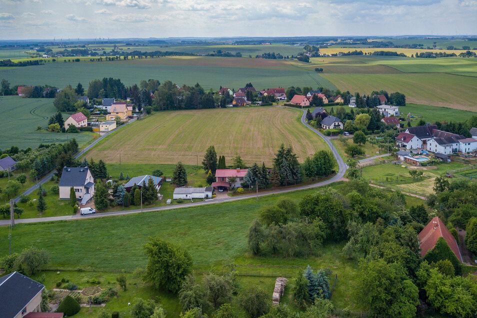 In Mannsdorf gibt es noch einige potenzielle Eigenheimstandorte. Aber die Flächen können derzeit noch nicht bebaut werden. Es gibt ein Abwasserproblem.