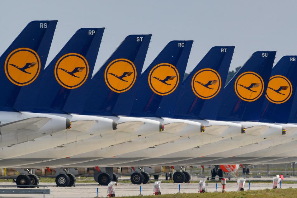 Viele Lufthansa-Maschinen stehen derzeit am Boden.