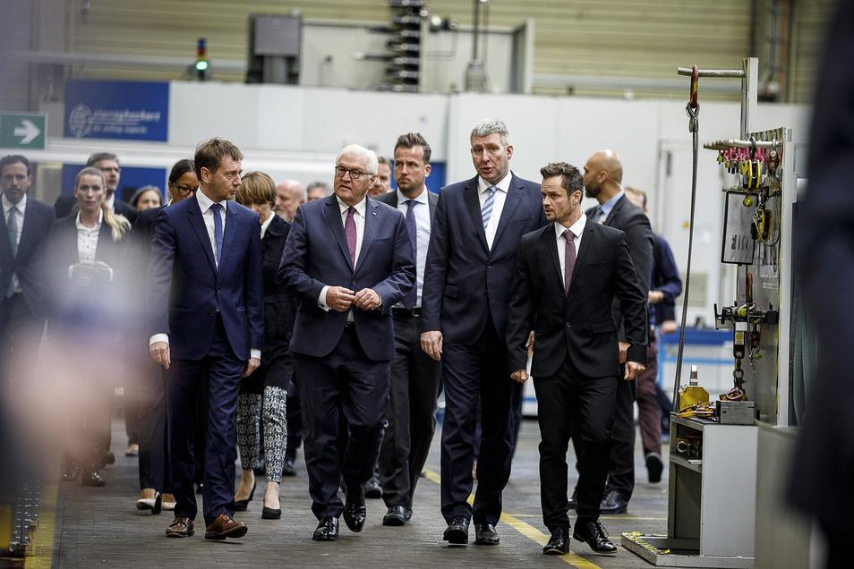 Und auch beim Besuch von Bundespräsident Frank-Walter Steinmeier bei Siemens gehörte Christoph Scholze (vorn rechts) zum Empfangskomitee.