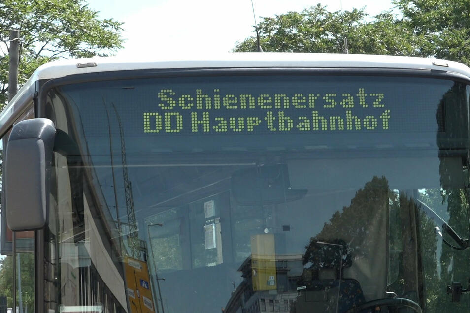 Am Sonntagabend wird auf der Strecke Dresden - Kamenz zwischen Dresden-Hauptbahnhof und Dresden-Neustadt Schienenersatzverkehr eingerichtet.