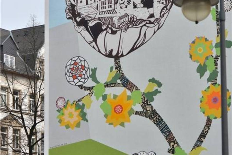Ein Graffito schmückt den Giebel eines Hauses auf dem Sonnenberg in Chemnitz, aufgenommen am 31.03.2014. Das Wandbild gilt als positives Beispiel für Graffiti im öffentlichen Raum.