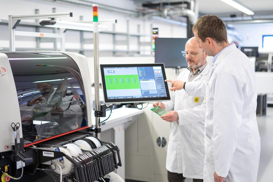 Gute Nachricht vom Fahrzeugausrüster Miunske in Großpostwitz: Dank einer neuen Fertigungslinie für Leiterplatten kann das Unternehmen jetzt schneller auf Kundenwünsche reagieren.