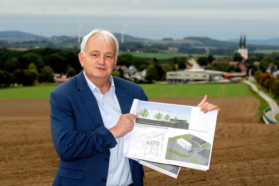 """Eine """"Oberschule plus"""" kann Bürgermeister Gerald Meyer vorerst nicht nach Göda holen. Vorbereiten will er das Vorhaben trotzdem - und mit dem Neubau der Grundschule neben der Bäckerei Fehrmann voran gehen."""