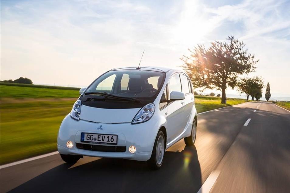 Nur acht elektrische Mitsubishi sind in der Stadt zugelassen. In Deutschland bieten die Japaner den i-MiEV an, er heißt aber seit 2014 nur noch schlicht Electric Vehicle.  Mehr davon werden es erstmal nicht, denn laut Mitsubishi ist dieses Elektro-Stadtauto derzeit nicht lieferbar.