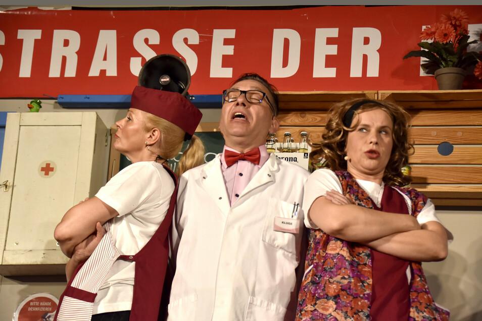 """Mit dem Stück """"Die Frauen hinter dem Ladentisch"""" startet das Biertheater in Radeberg in die neue Spielzeit."""