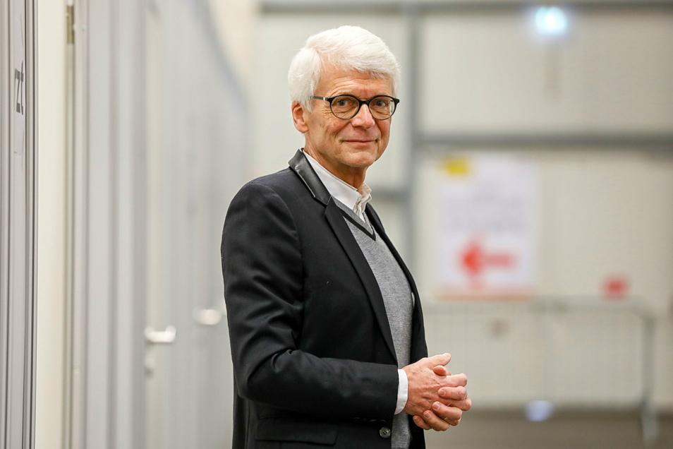 Dr. Hans-Christian Gottschalk stammt aus Görlitz, ist Facharzt für Kinder- und Jugendmedizin sowie Mitglied in der Sächsischen Impfkommission. Ruhestand ist nichts für ihn, er bietet noch eine Spezialsprechstunde für kinderärztliche Problemfälle an