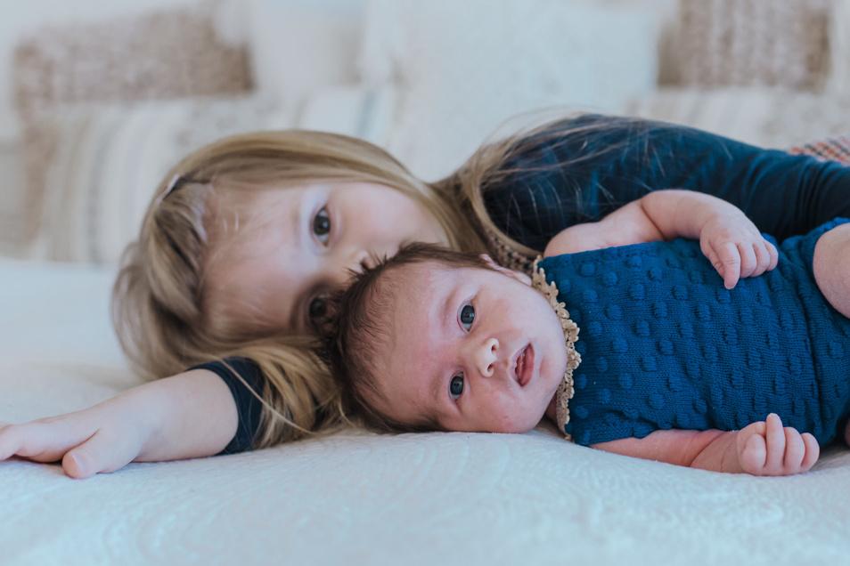 Tamara mit Schwester Amelie Geboren am 30. Dezember Geburtsort Baden Gewicht 3.530 Gramm Größe 48 Zentimeter Eltern Odette und Robert Wobst Wohnort Bremgarten AG (Neukirch/L.)