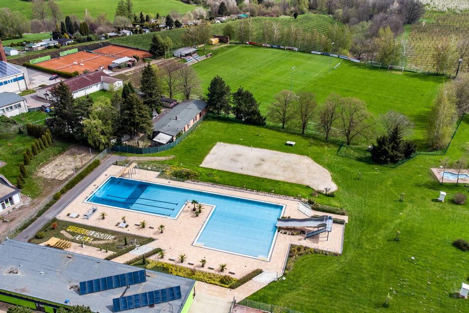 Das Freizeit- und Sportzentrum rund um das sanierte Freibad Leisnig hat noch einiges zu bieten. Die Entwicklung fördert der Bund mit 2,34 Millionen Euro.