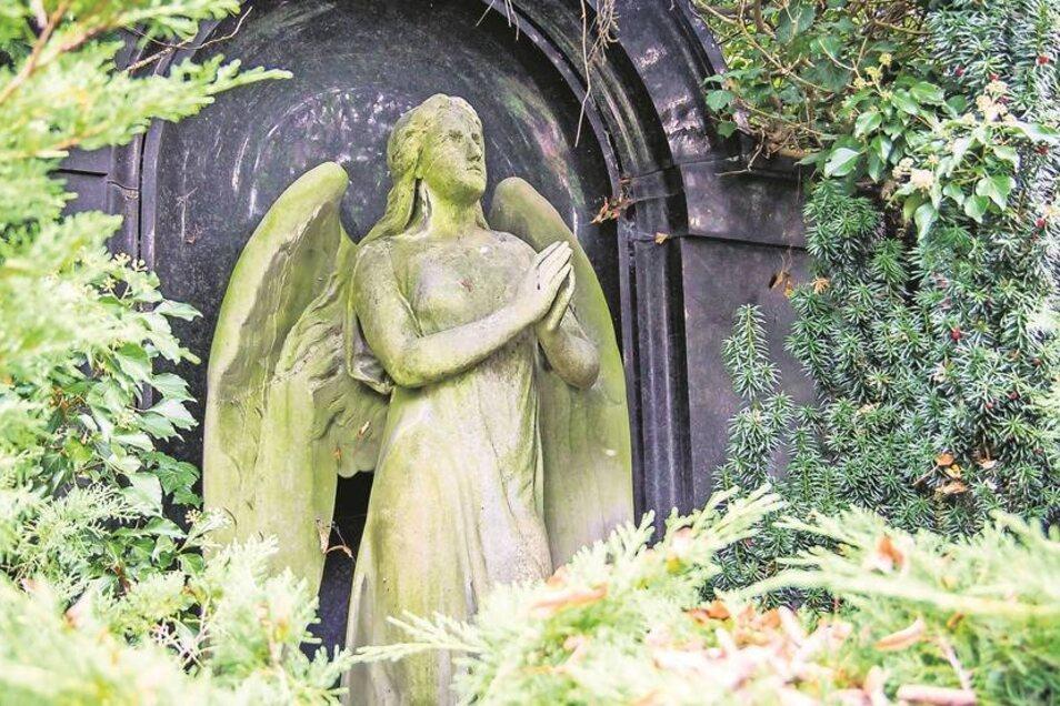 Ein Engel erinnert an einen Anwalt – geschaffen hat ihn ein berühmter Künstler.