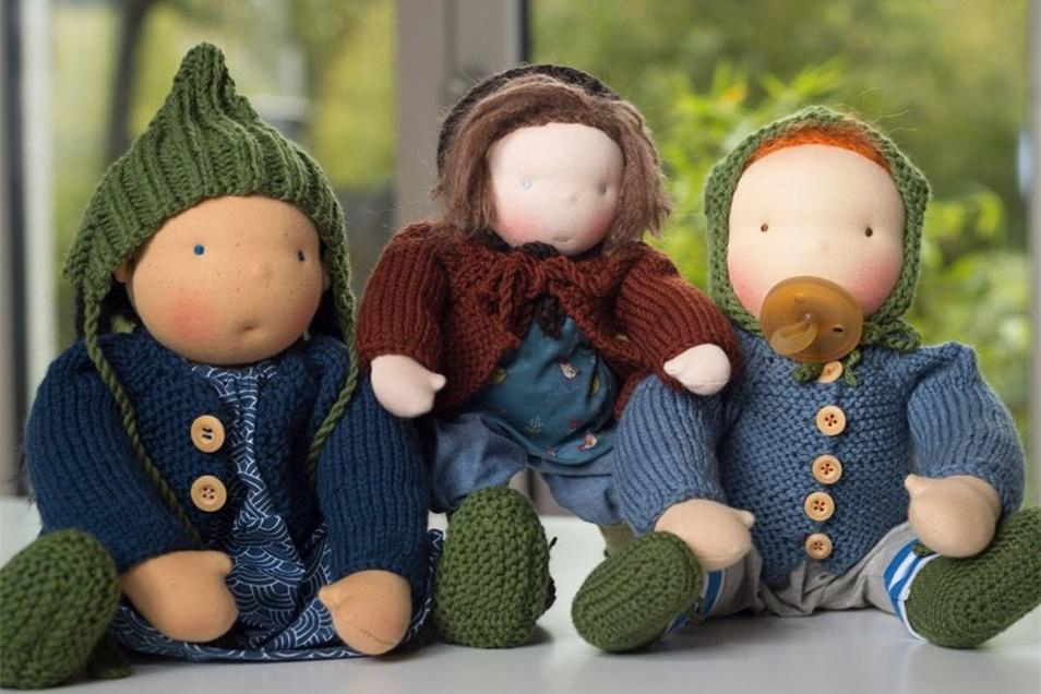Möglichst neutral soll die Mimik einer Waldorfpuppe sein. Johanna Schöne folgt diesem Credo bei ihren Puppen, damit viel Raum für die Fantasie der Kinder bleibt.