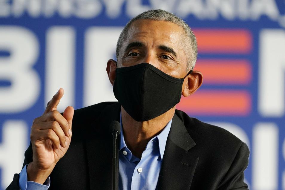 Barack Obama hat wiederholt seinen Nachfolger für dessen Corona-Management kritisiert.