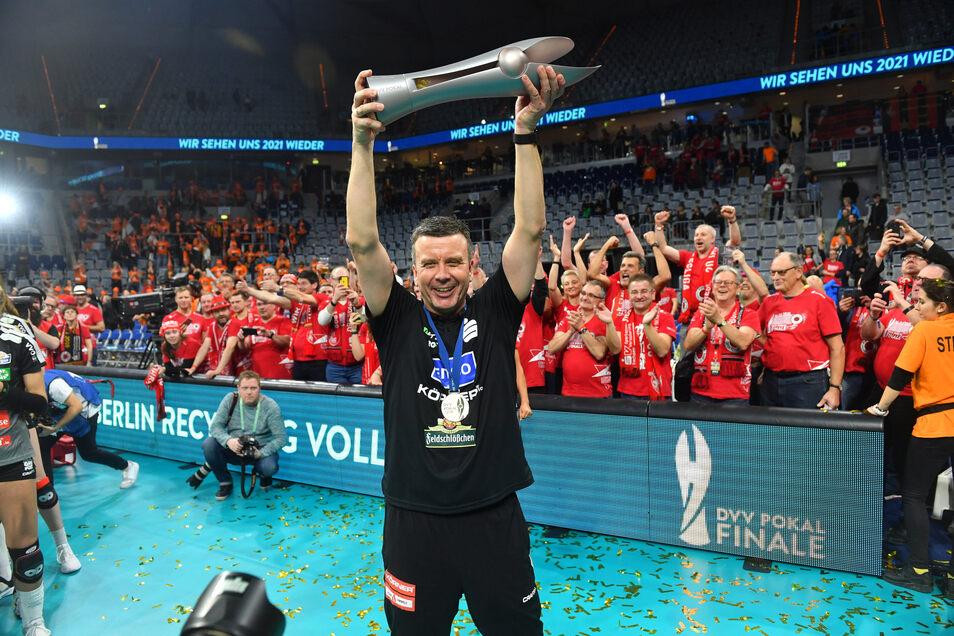 Der Trainer des Erfolges: Alexander Waibl hat die Dresdner Volleyballerinnen auch in seinem vierten Finale zum Pokalsieg geführt.