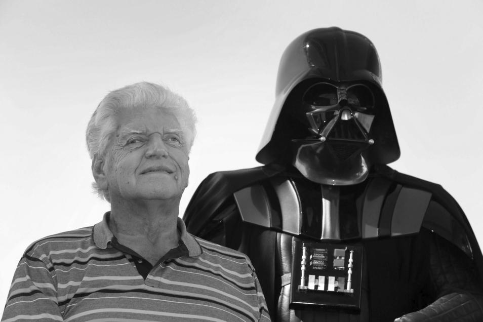 David Prowse, der Darth Vader in der ursprünglichen Star Wars-Filmtrilogie spielte, ist Medienberichten zufolge tot.