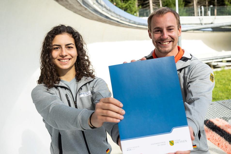 Vor allem der Bob- und Rennschlittennachwuchs Jessica Degenhardt und Maximilian Illmann soll vom Fördermittelbescheid für die Bobbahn profitieren.