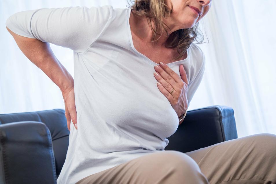 Wenn der Rücken schmerzt, ist eine Therapie zu empfehlen. Aber darauf müssen Betroffene oft mehrere Monate im Landkreis Görlitz warten.
