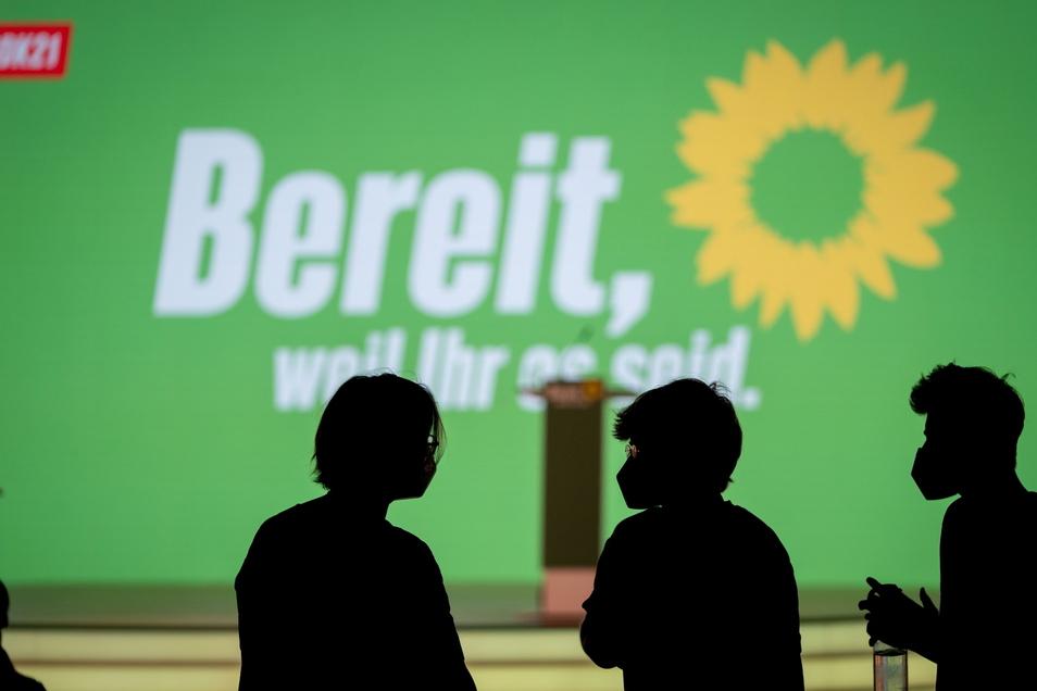 Bei einem digitalen Parteitag in Berlin verabschieden die Grünen ihr Wahlprogramm für die Bundestagswahl im September.