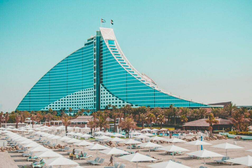 Den Ermittlungsakten zufolge logierte der Leipziger Geschäftsmann Thomas Pilgram im März 2010 im Jumeirah Beach Hotel in Dubai, um von dort aus Hintermänner des Steuerbetrugs zu treffen.
