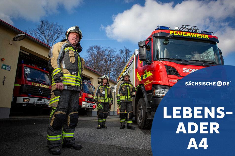 Die Wilsdruffer Feuerwehr ist in wenigen Minuten am Unfallort, wenn es wieder gekracht hat auf der A4. Stadtwehrleiter Falk Arnhold (vorn), Ortswehrleiter Daniel Quint und der Stellvertreter für Technik Daniel Menzel sorgen dafür.