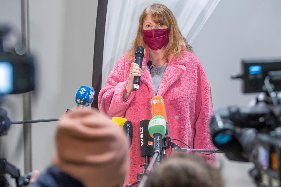 Das Impfzentrum in Riesa wurde am 11. Januar eröffnet. Sozialministerinministerin Petra Köpping (SPD) war zu Besuch.