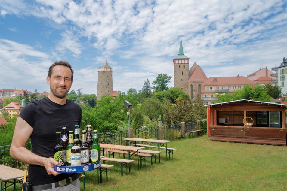 Beno Brězan öffnet ab dem 30. Juni wieder seine Sundowner-Bar in Bautzen. Bis zum 29. August können Gäste hier neben kühlen Getränken vor allem den Ausblick genießen.