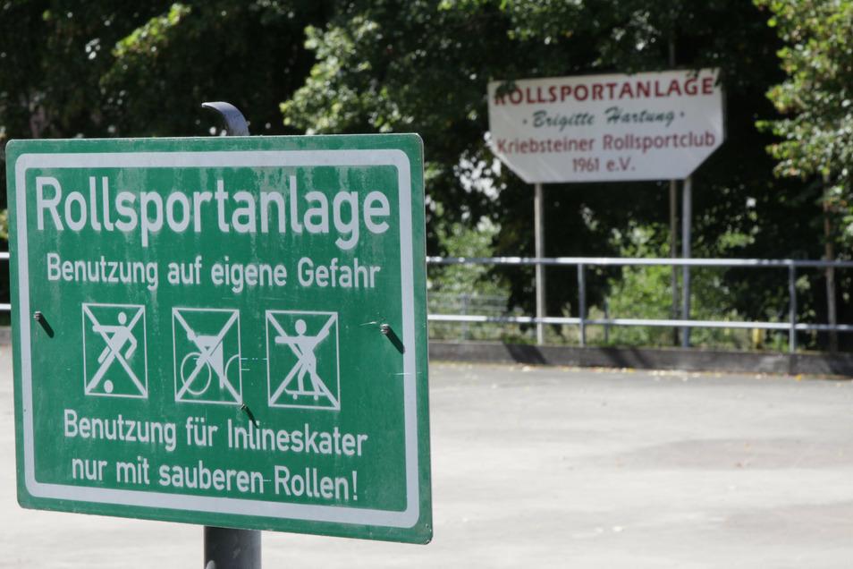 Die früher vom Kriebsteiner Rollsportclub genutzte Anlage ist verwaist. Die Kommune unternimmt jetzt einen weiteren Versuch, an Fördergeld zu kommen, um das Areal herzurichten.