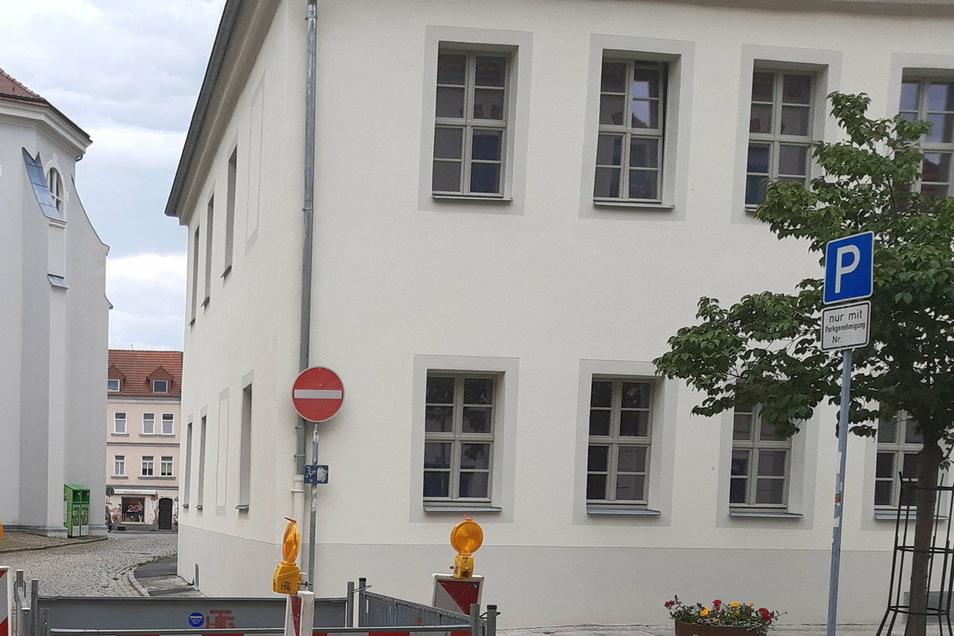 """So sieht das Gebäude, die ehemalige Gaststätte """"Zur Börse"""", vom Neumarkt aus."""