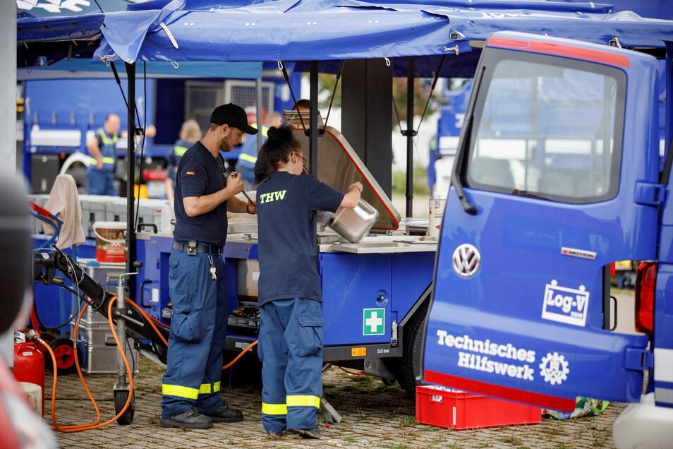Das Technische Hilfswerk aus Kamenz sorgte für die Verpflegung bei der Großübung der Feuerwehr.