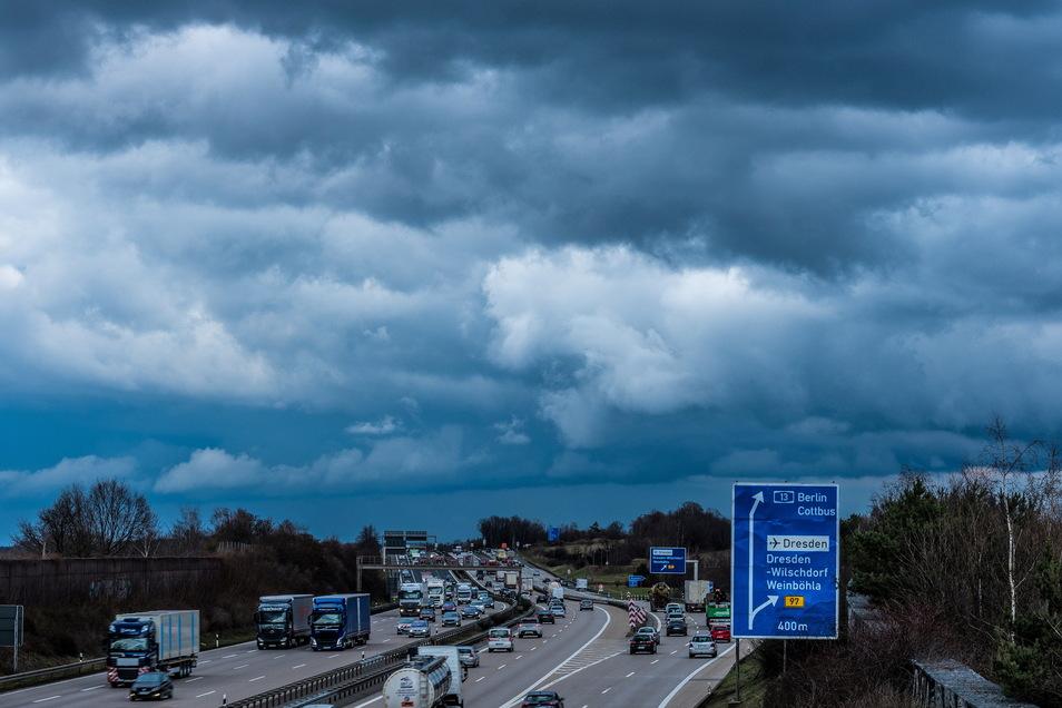 A4 nahe des Autobahnkreuzes Dresden-Nord: Hier müssen täglich über 100.000 Fahrzeuge durch.